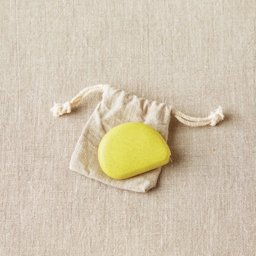 Cocoknits Tape Measure -mittanauha 02 Mustard Seed