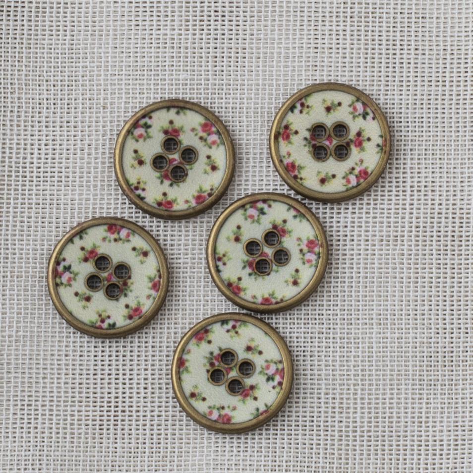Round Brass Button Flower Pattern 18mm - 02 Ecru