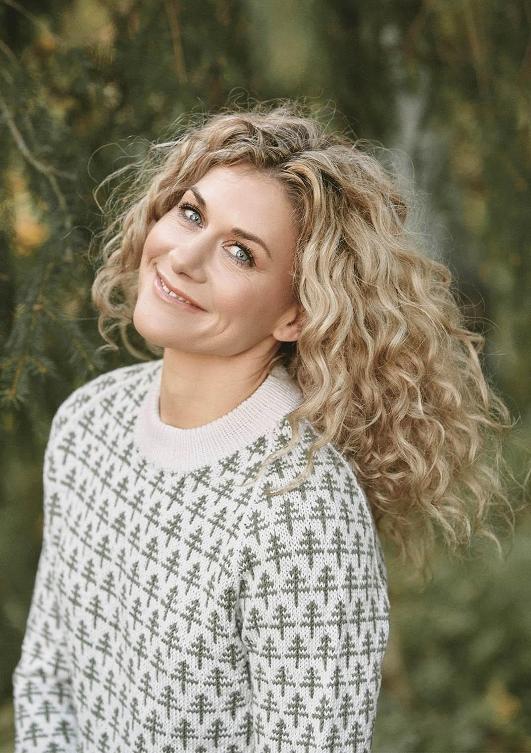 Cecilie Skog 02_2 Raglangenser -Neulepuseron ohje NO