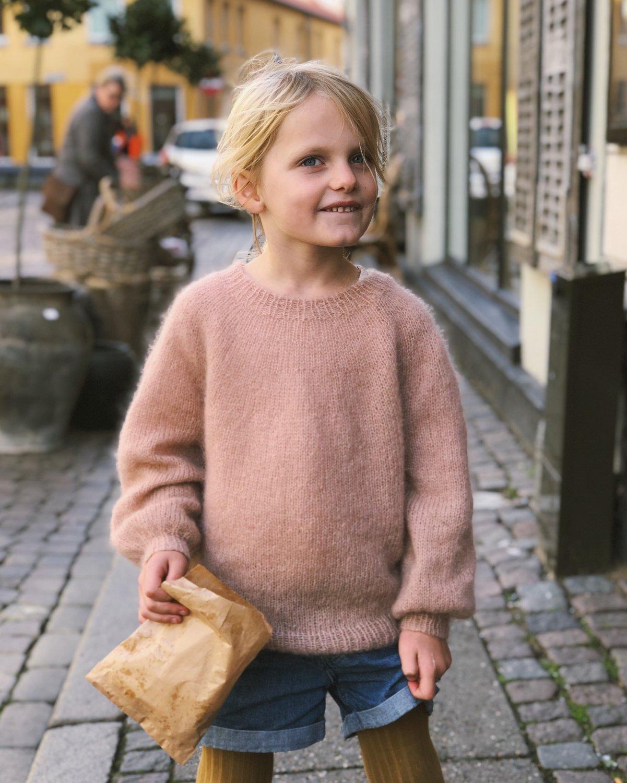 Novice Sweater JUNIOR - Mohair Edition by PetiteKnit -neuleohje EN