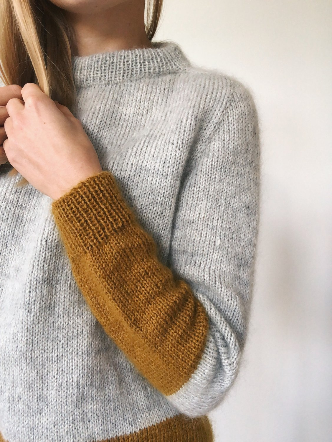 Contrast Sweater by PetiteKnit pattern English