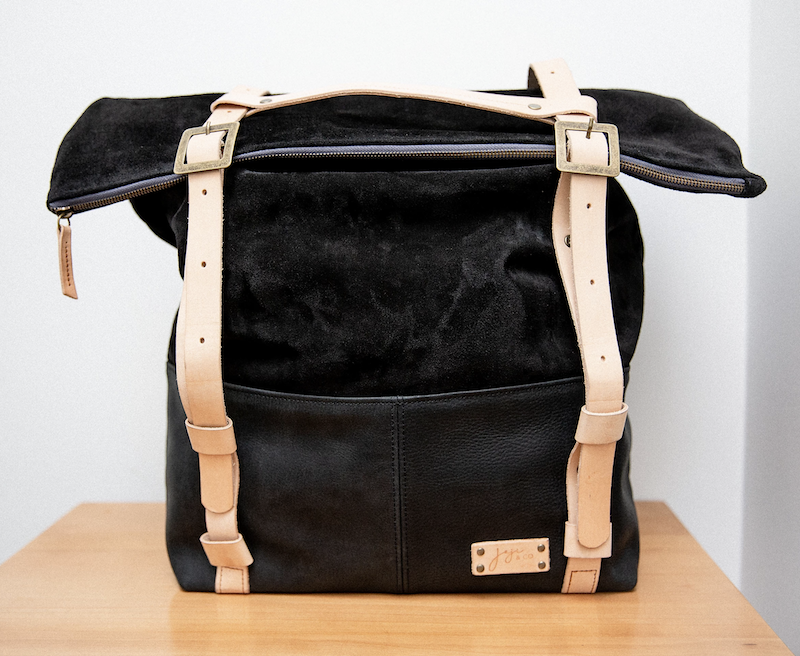 Joji & Co. USH Weekender black