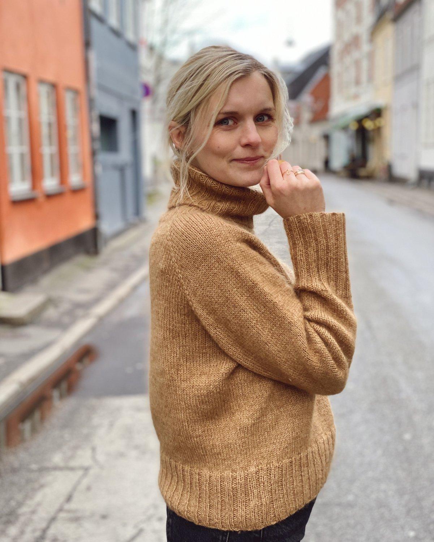 Caramel Sweater by PetiteKnit -neuleohje EN
