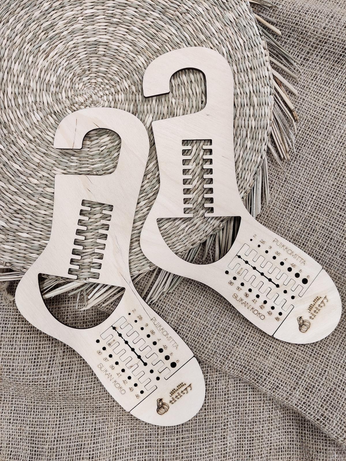 Titityy adjustable sock blocker