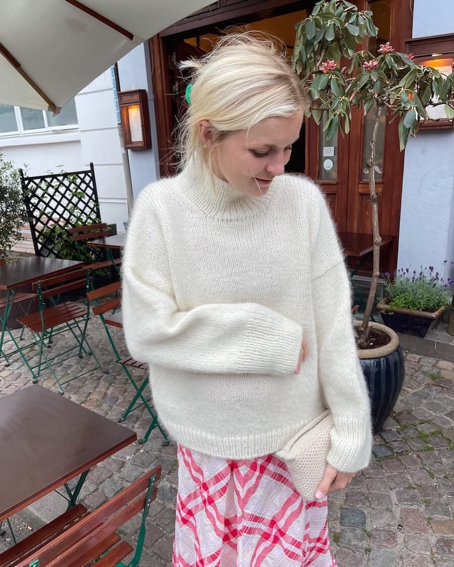 Weekend Sweater by PetiteKnit pattern English