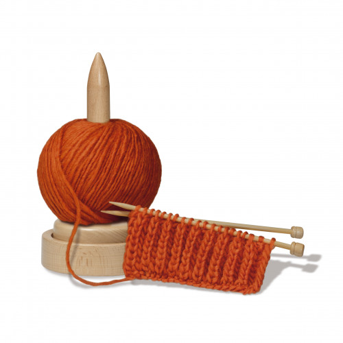 Wooden Yarn Ball Unwinder