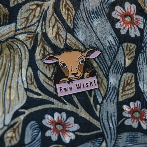 "Laine Pin ""Ewe Wish!"""