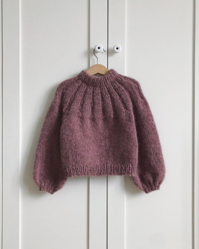 Sunday Sweater JUNIOR by PetiteKnit -neuleohje EN