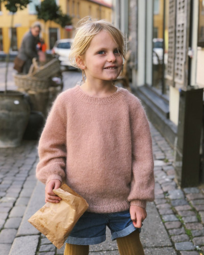 Novice Sweater JUNIOR - Mohair Edition by PetiteKnit -neuleohje EN