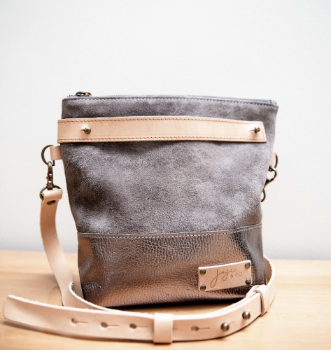 Joji & Co. BA Metallic Crossbody Bag pewter
