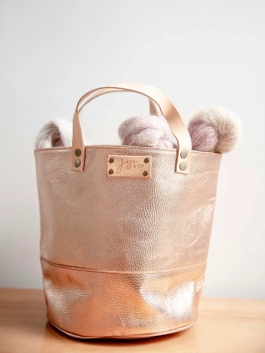 Joji & Co. PAMPA Bucket Bag Metallic Rose Gold