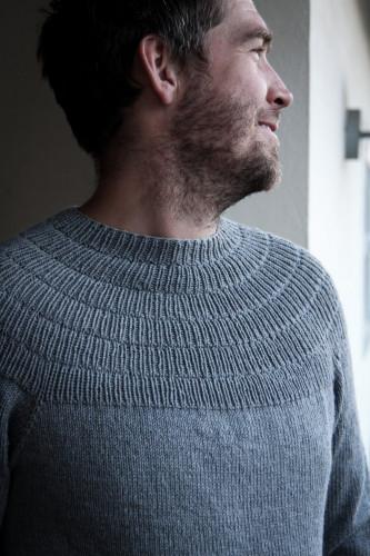 Anker's Sweater - My Boyfriend's Size by PetiteKnit -neuleohje EN