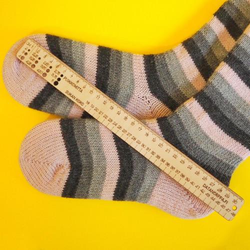 Titityy -sukkaviivain