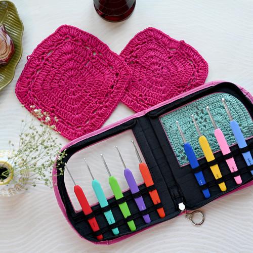 Waves Crochet Hook Set Pink Case
