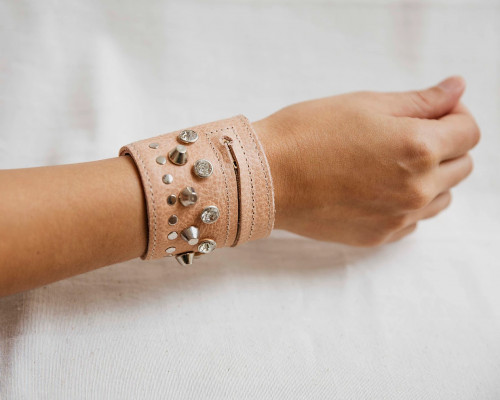 Joji & Co. Bejeweled Notions Cuff Dusty Pink (size 2)