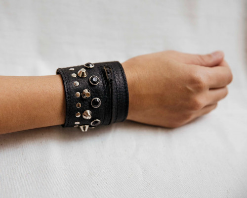 Joji & Co. Bejeweled Notions Cuff Black (size 1)