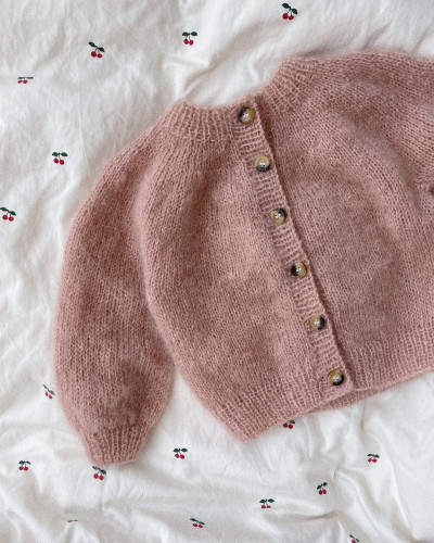 Novice Cardigan MINI - Mohair Edition by PetiteKnit pattern English