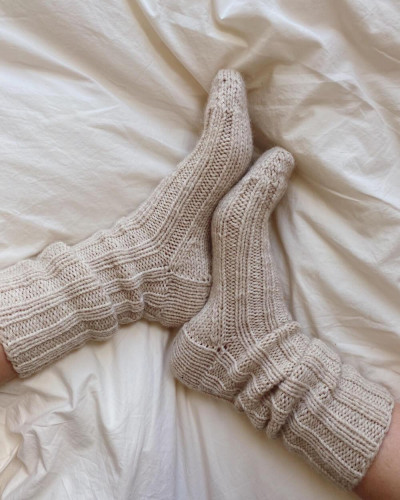 Sunday Socks by PetiteKnit -neuleohje EN