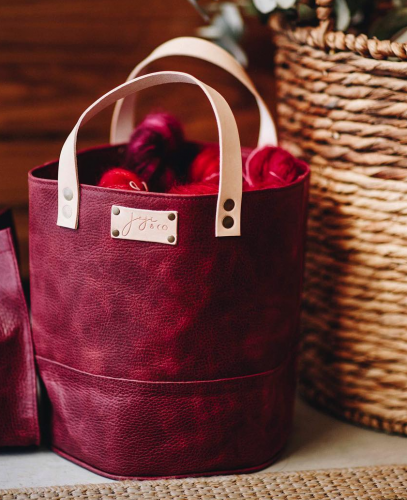 Joji & Co. PAMPA Bucket Bag Cranberry