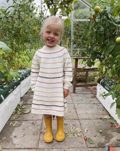 Festival Dress by PetiteKnit -neuleohje EN