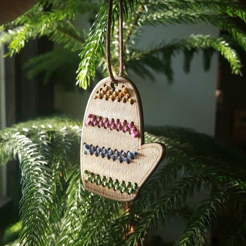 Mitten Ornament DIY