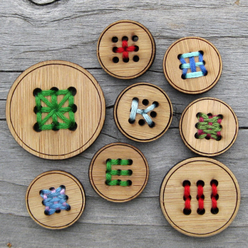 Nine Hole Bamboo Button, 3.2 cm